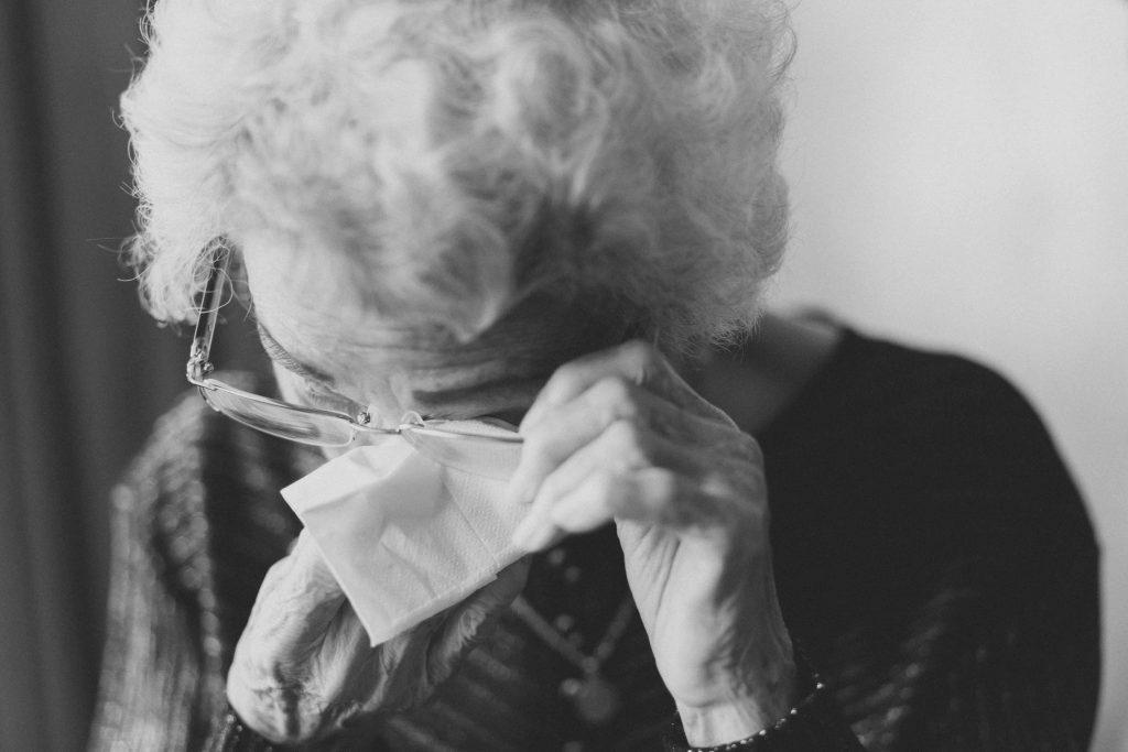 emotionele oma huilt om uitslag dementie